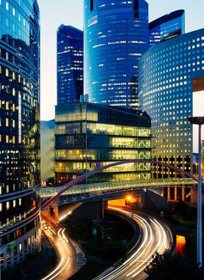 Reward_technology_Unifiid_and_Unifi.id_smart_building_night_light_glass_building
